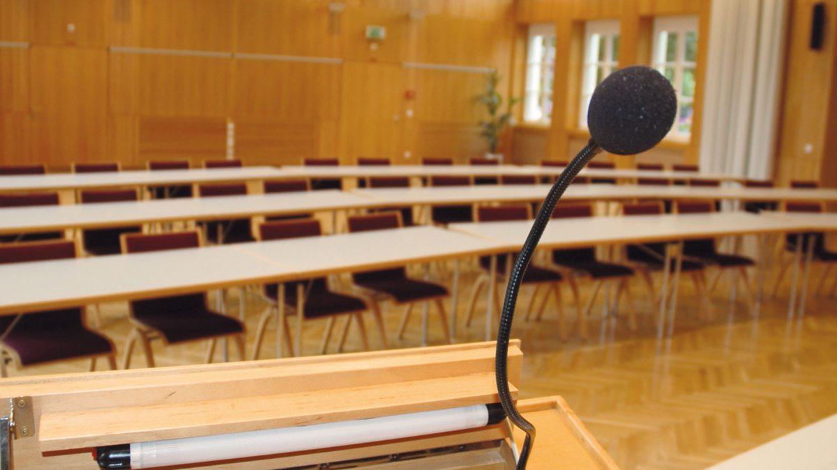 Vorbereitung einer Veranstaltung im Festsaal vom Bildungshaus Schloss Krastowitz